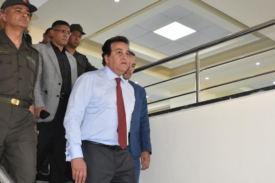 وزير التعليم خلال جولته
