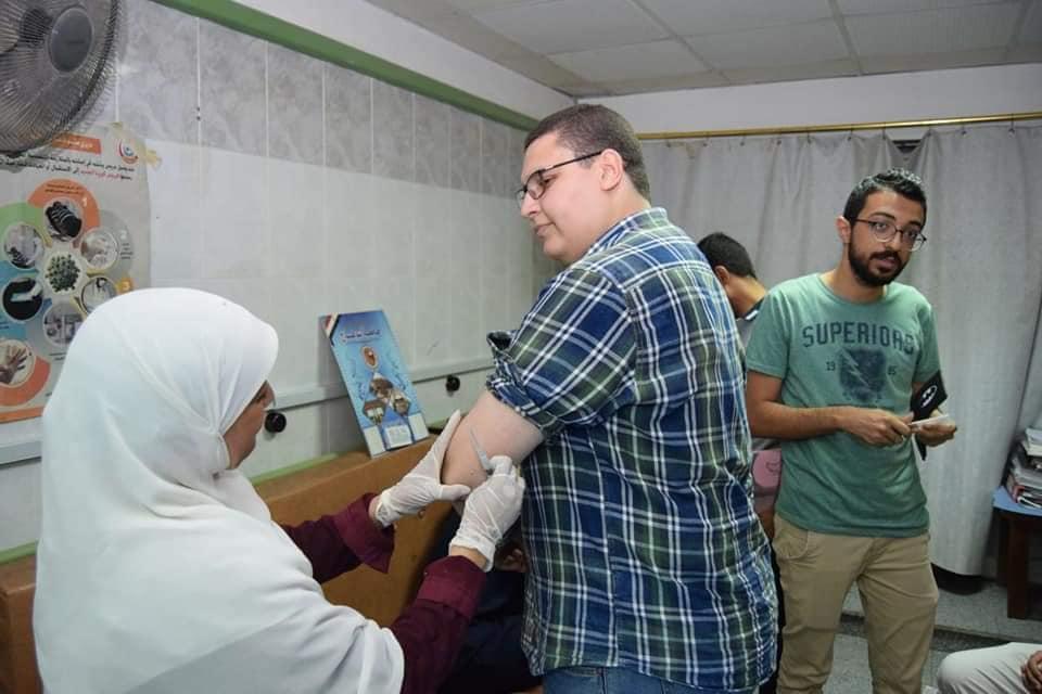 خلال التطعيم