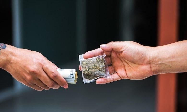 إتجار في المخدرات