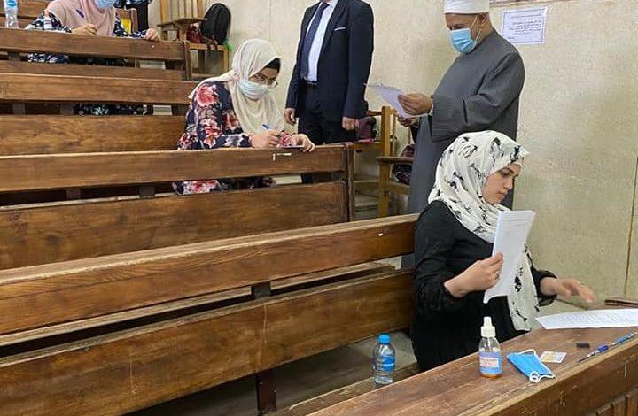نائب رئيس جامعة الأزهر يتفقد الامتحانات