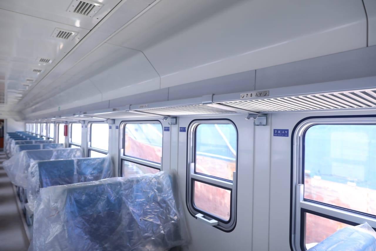 وصول دفعة جديدة من عربات ركاب السكك الحديدية