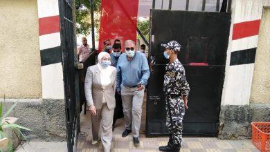 أحمد جودة رئيس حي البساتين مع المهندسة جيهان عبد المنعم