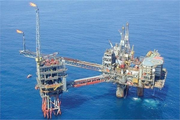 الاستثمارات في قطاع البترول