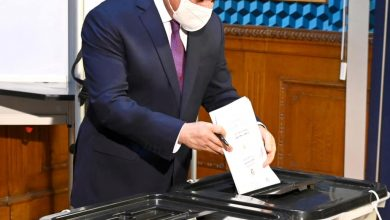 الرئيس يدلي بصوته الانتخابي