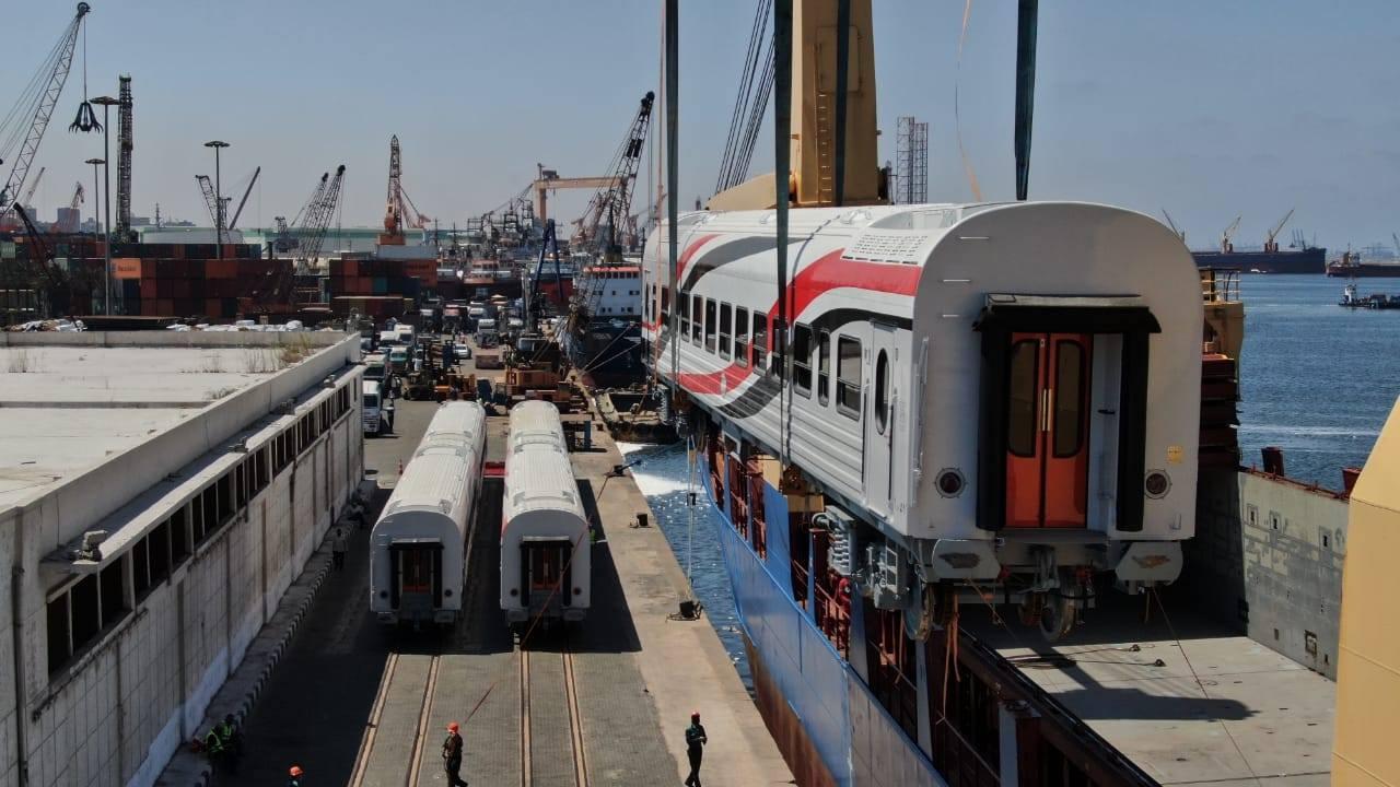 عربات ركاب السكك الحديدية الجديدة