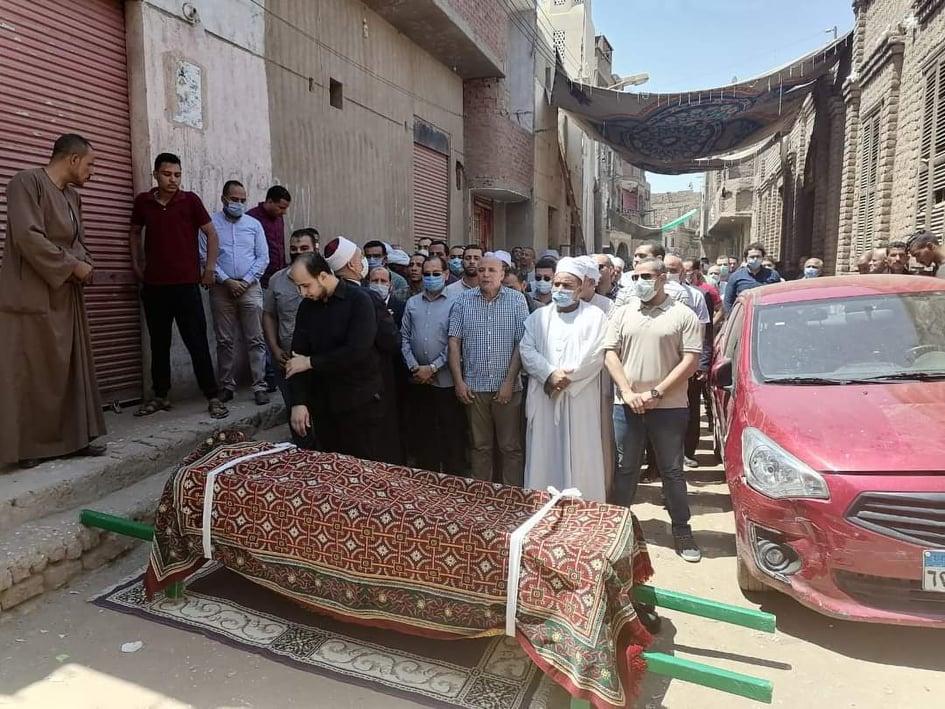 تمام يتقدم جنازة عصام بركات