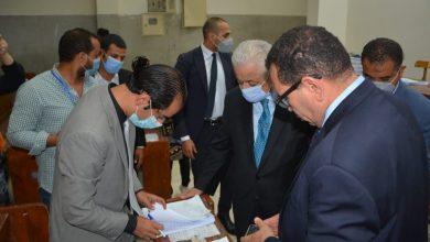 وزير التعليم يدلي بصوته