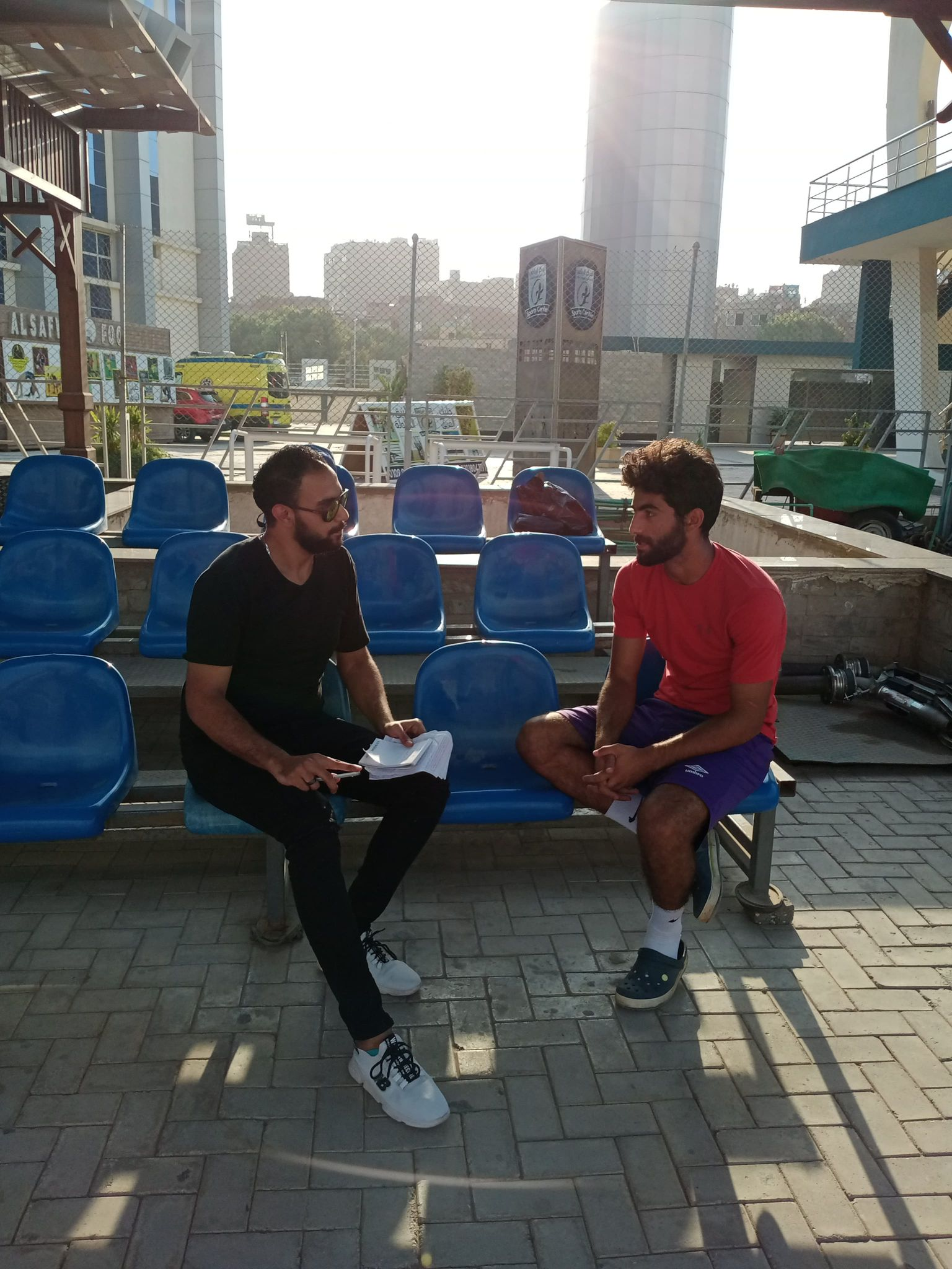 محرر (اليوم) مع اللاعب ميشو عمارة