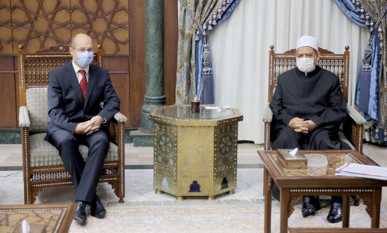 شيخ الأزهر خلال استقباله سفير المجر بالقاهرة