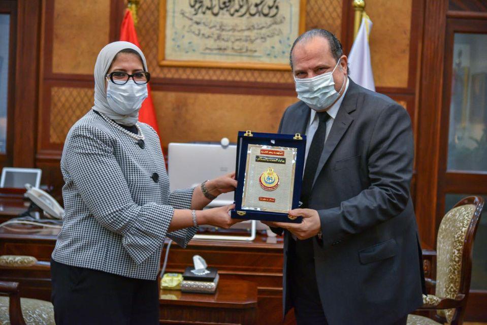 وزيرة الصحة وخالد الصاوي