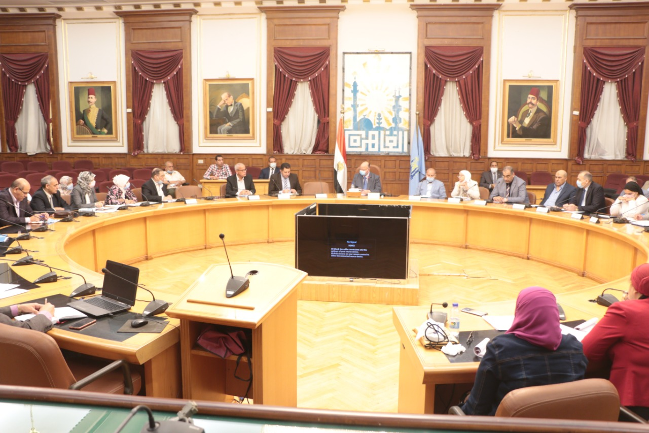 إجتماع محافظ القاهرة