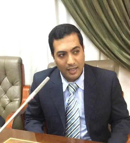 د.محمد راشد الخبير الاقتصادى والمدرس بكلية السياسة والاقتصاد جامعة بنى سويف