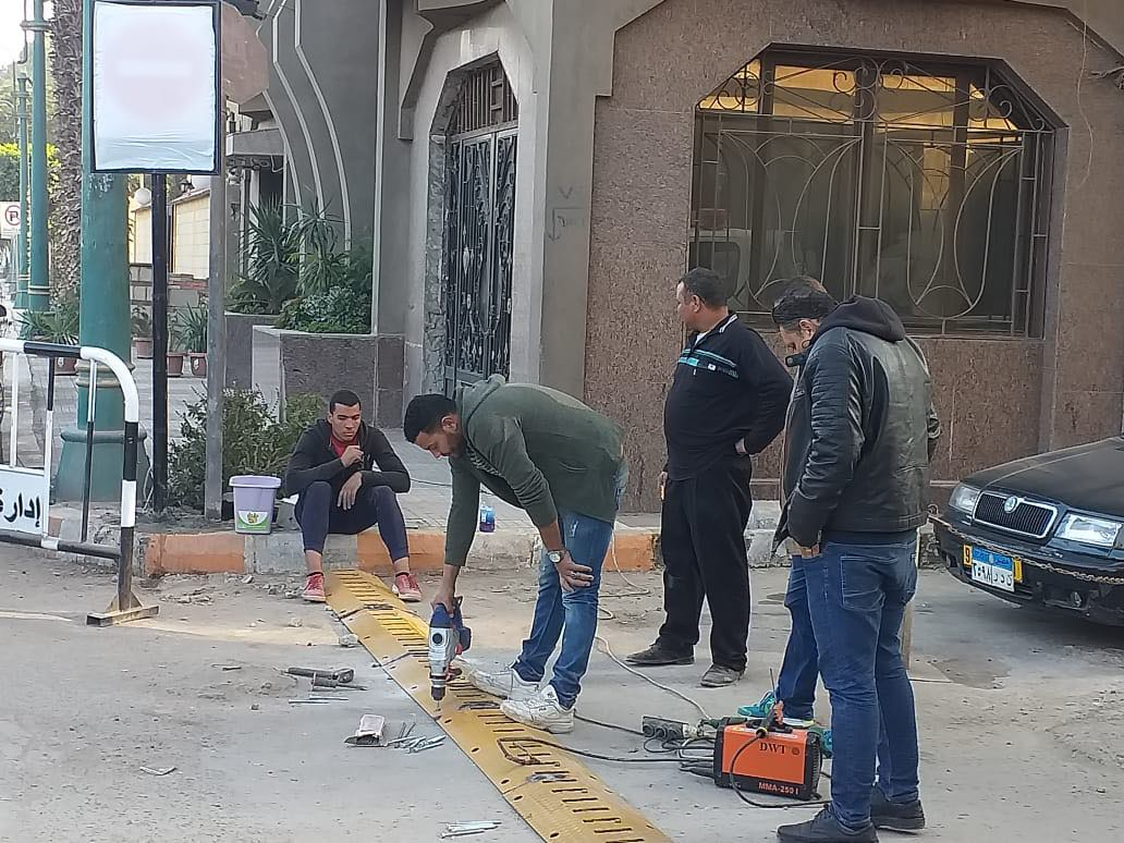 مطبات شوكية بشوارع المنيا
