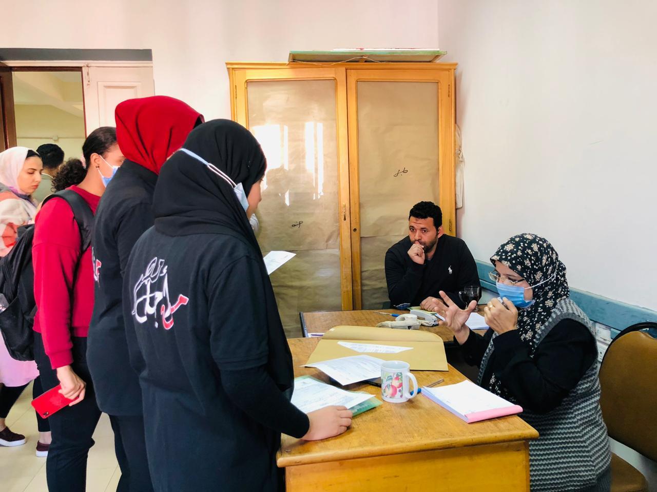 طلاب جامعة القاهرة