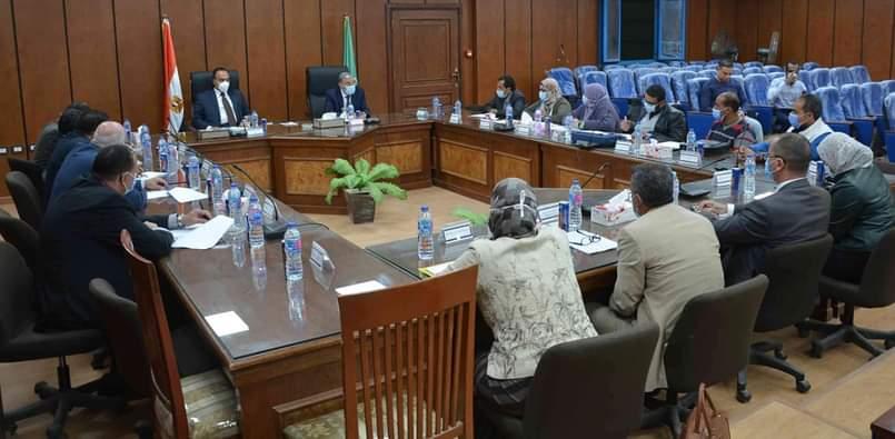 اجتماع مجلس ادارة المنطقة الصناعية بالمنيا