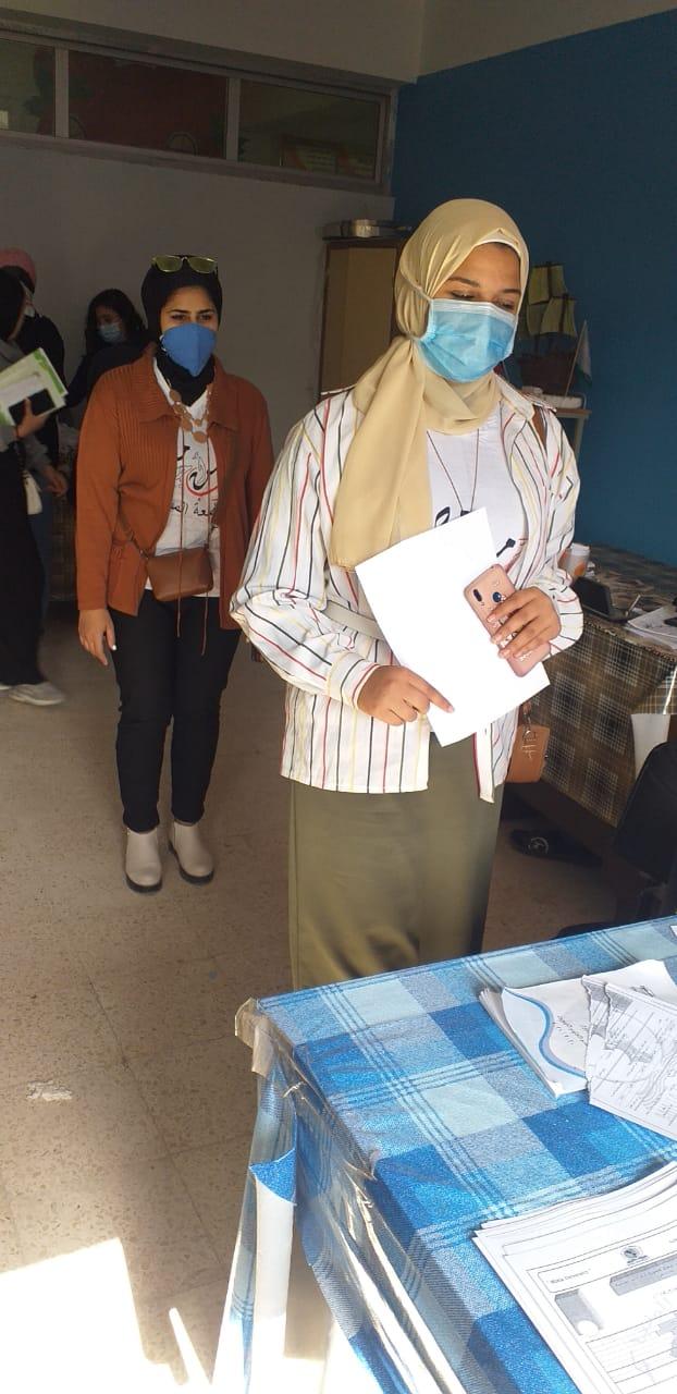 توافد الطلاب على الترشيح بجامعة المنيا