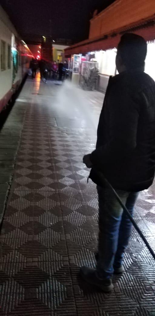 مياه المنيا تعقم محطة السكة الحديد
