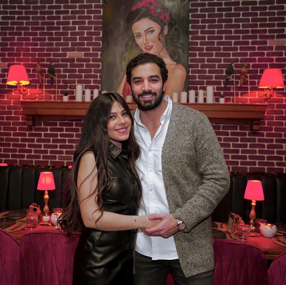 حازم إيهاب وزوجته