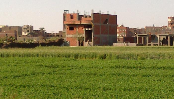 مباني الأراض الزراعية