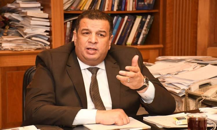 الكاتب الصحفي عبد الرازق توفيق رئيس تحرير الجمهورية،