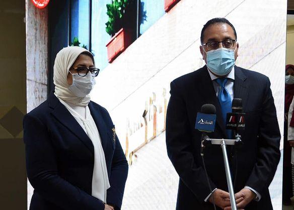 رئيس الوزراء وويزرة الصحة