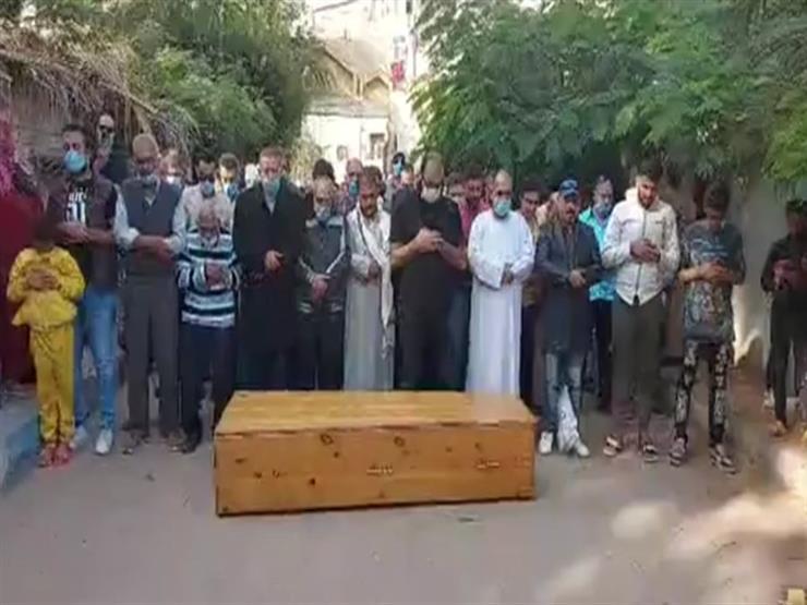 تشييع جثمان طفل ببنى مزار