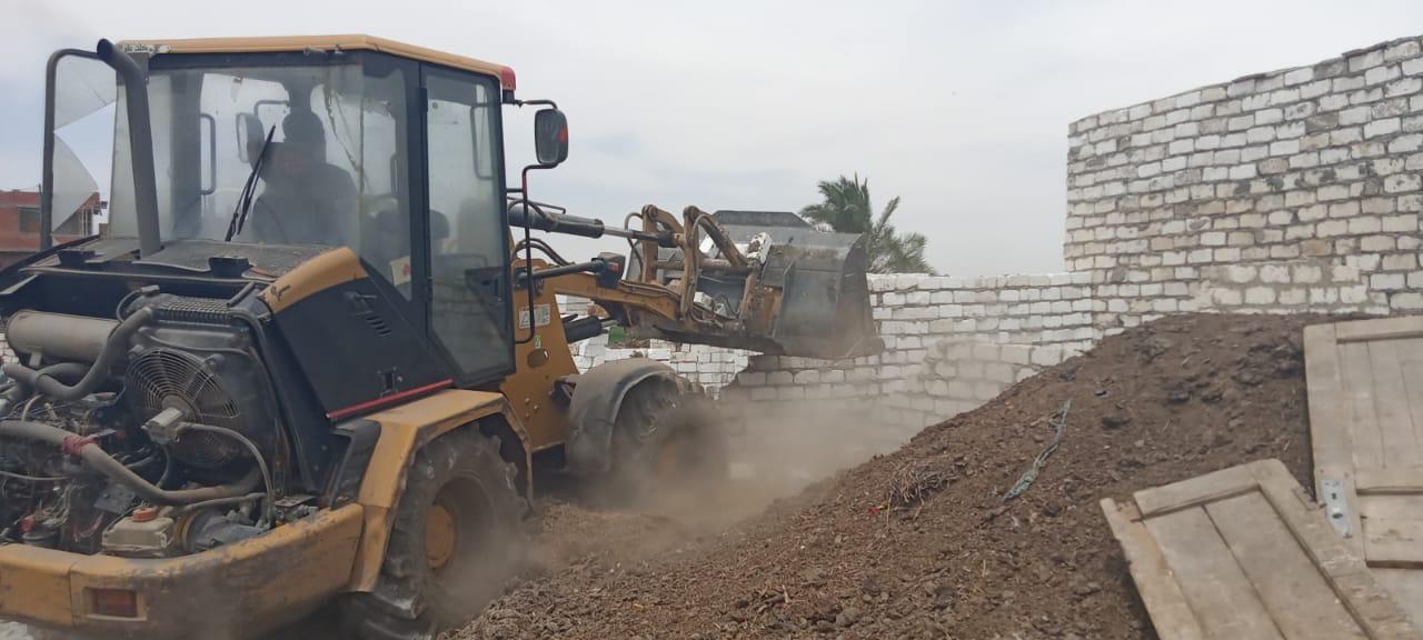 ازالة تعديات على نهر النيل بالمنيا