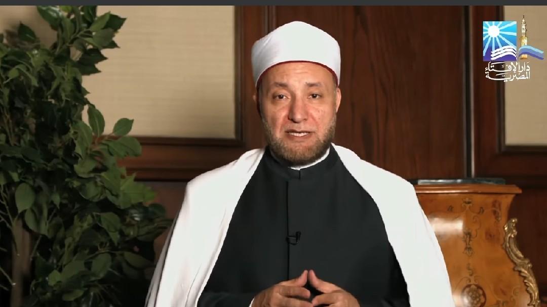 الشيخ عويضة عثمان أمين الفتوى بدار الإفتاء