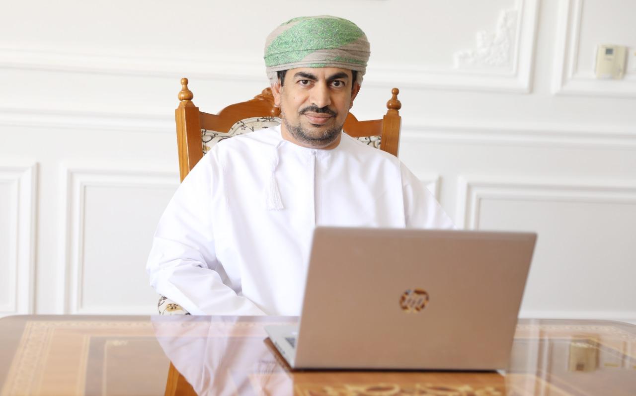 عبدالله بن ناصر الحراصي وزير الإعلام بسلطنة عُمان