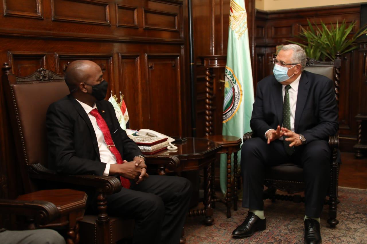 اجتماع السيد القصير وزير الزراعة واستصلاح الأراضي مع السيد حافظ إبراهيم وزير الثروة الحيوانية السوداني