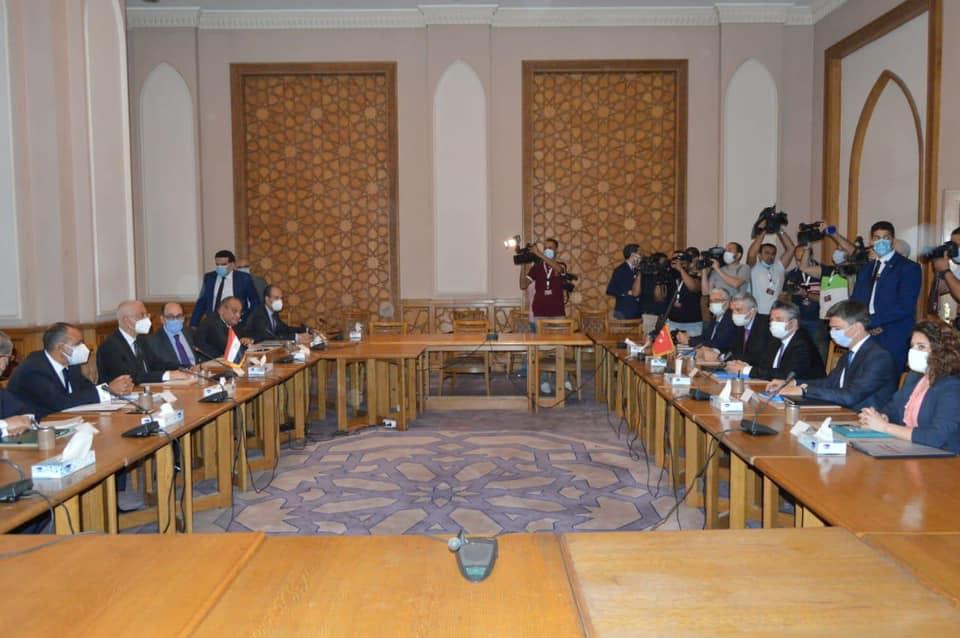 المشاورات بين مصر وتركيا