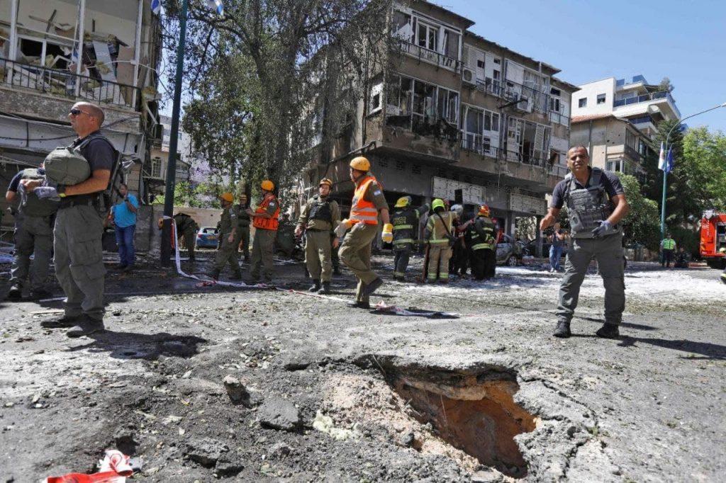 مشاهد الدمار في تل أبيب