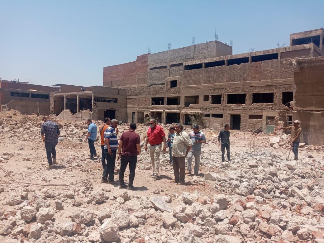 اللواء أحمد جودة يتابع أعمال الإزالة بمنطقة بير أم سلطان