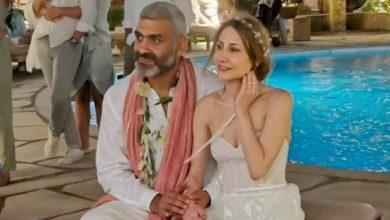 هاني عادل وزوجته