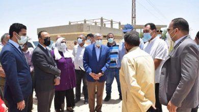 محافظ المنيا يتفقد قرية الوفاء