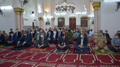 محافظ المنيا يؤدى صلاة العيد